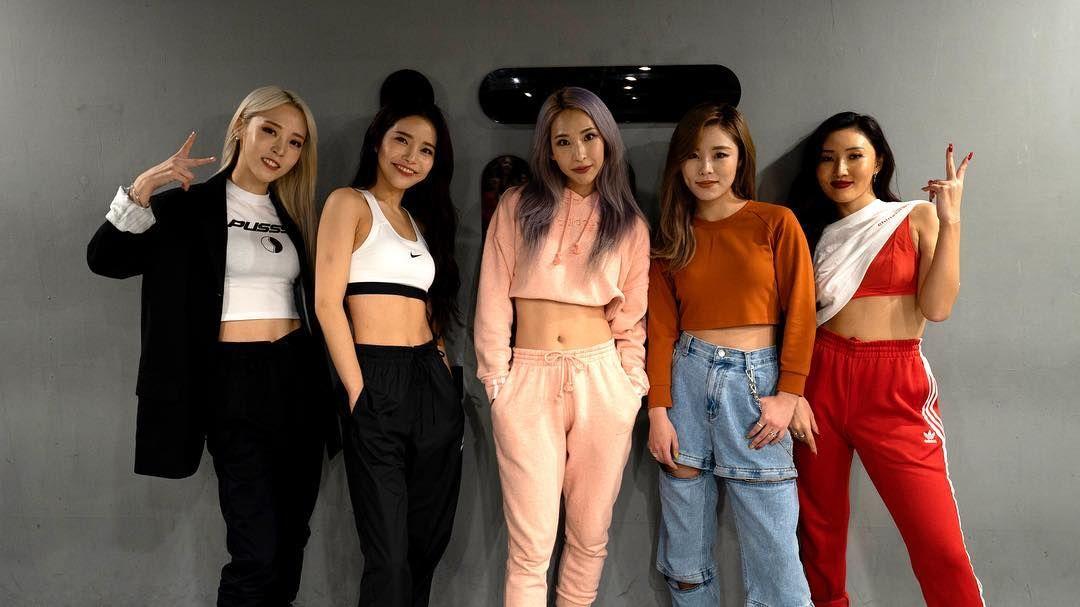 Wheein Pics On Twitter Dance Outfits Dance Studio Mamamoo