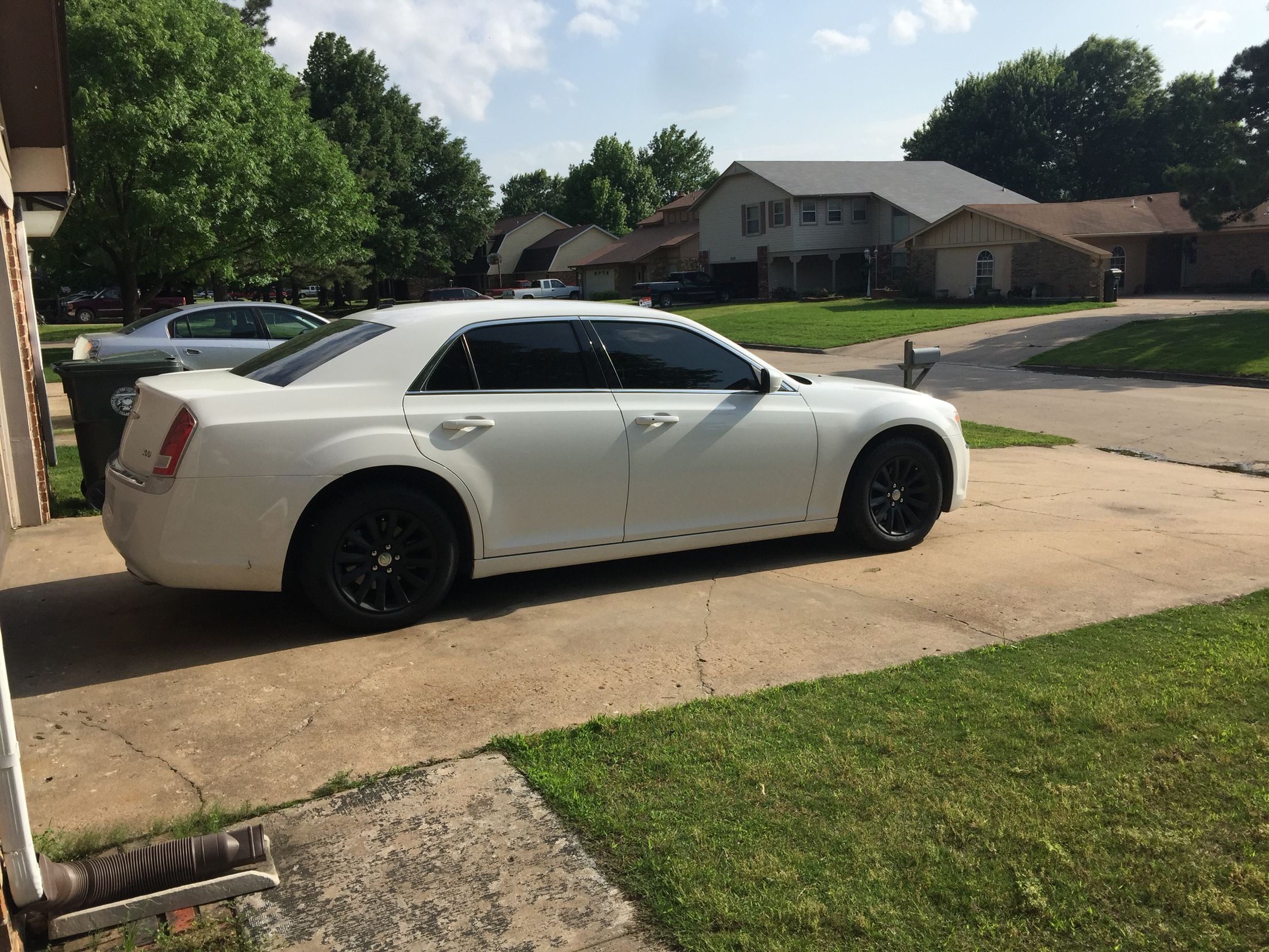 My 2014 Chrysler 300 With Plasti Dipped Wheels Diy With Images