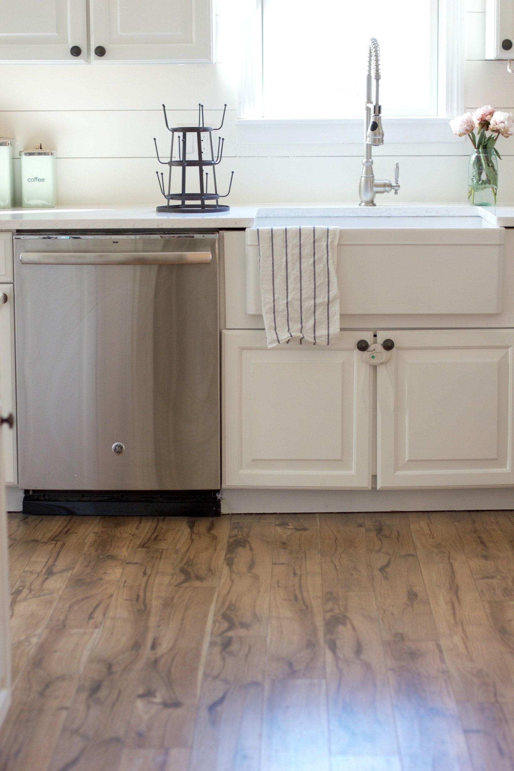 Tip and tricks on how to install pergo flooring