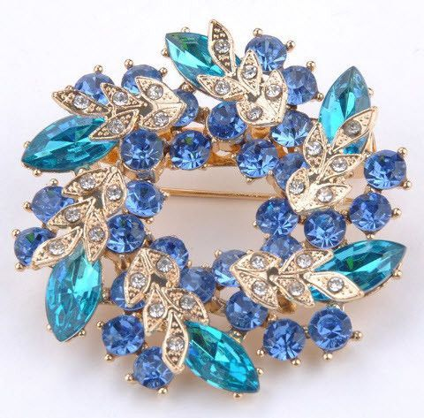 Brooch Pin Bling Bling Rhinestones In Gold Plated Base