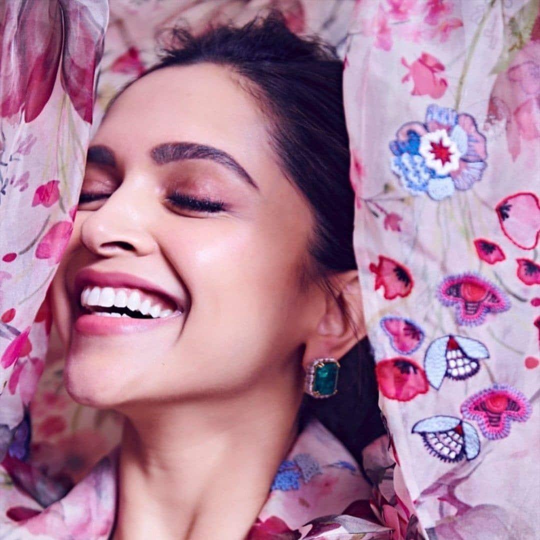 The most beautiful smile in the world 😍❤️ #deepveer #deepikapadukone #ranveersingh #ranbirkapoor #aliabhatt #adityaroykapoor #sonamkapoor #sonakshisinha #katrinakaif #hrithikroshan #shahdkapoor #preityzinta #ranimukherjee #anshkasharma #pryankachopra #amitabhbachchan #karenakapoor #karishmakapoor #shraddha_kapoor #varundhavan #sidarthmalhotra #tigershroff #vannikapoor #love #amazing #bestactress #the_queen_of_bollywood #pryankachopra #katrinakaif