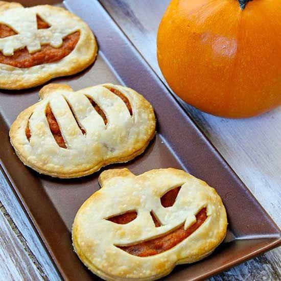 7 Pumpkin-Shape Treats That Taste Exactly Like Fall #pumpkinshapedcake . #pumpkinshapedcake