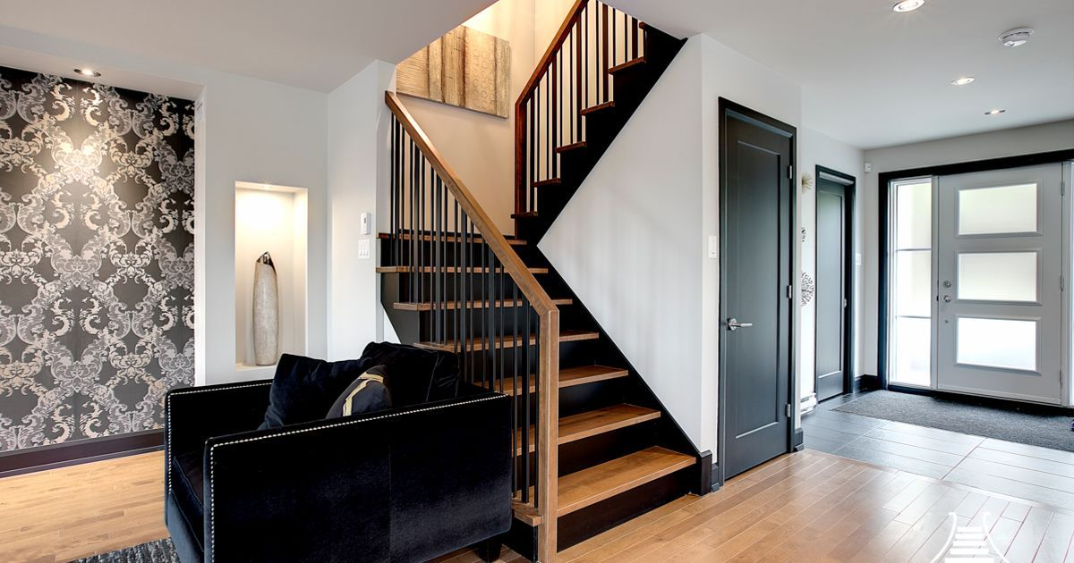 escalier avec marches de bois limon et contremarches noir escalier en 2019 escalier bois. Black Bedroom Furniture Sets. Home Design Ideas