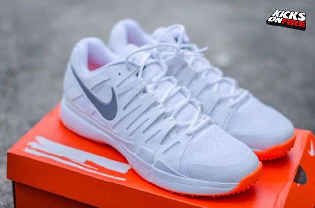 "a94b9993a9 Roger Federer s Nike Zoom Vapor Tour 9 LE ""Wimbledon"" Banned ..."
