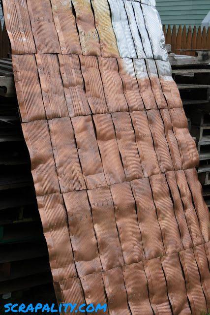 Project Pallet Shed Tin Roof In Progress Abri Rustique Toit De Tole Deco Exterieur Maison