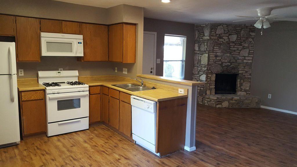 801 Bracewood Cir Apt D San Marcos Tx 78666 Zillow Zillow Home Future Apartment