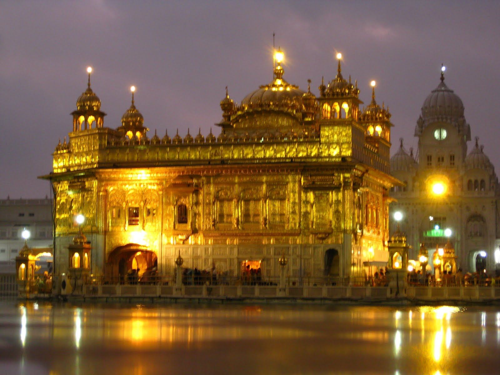 enjoy the beauty of the golden temple amritsar, punjab, india