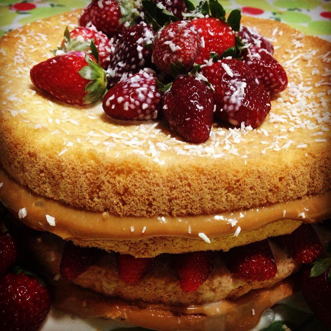 Sweet Gourmet Bauru: Naked Cake de brigadeiro com morangos