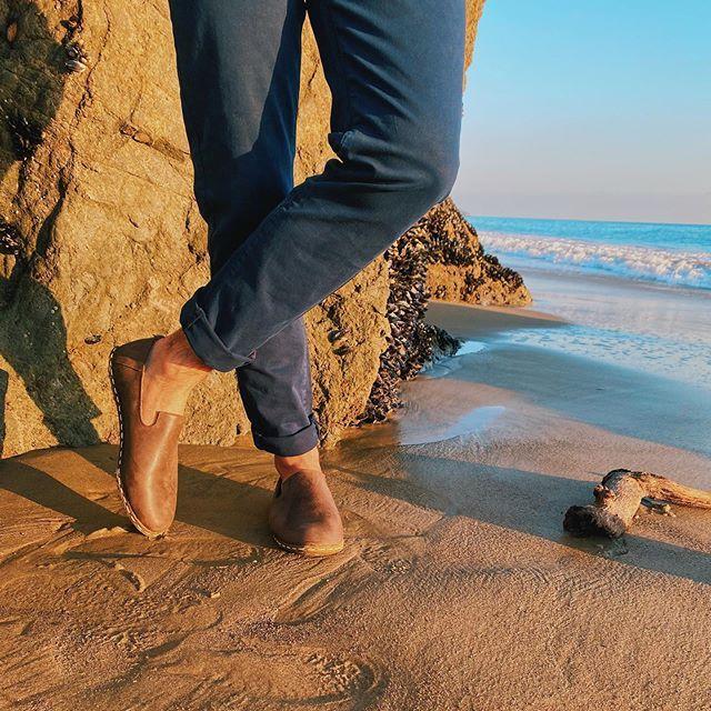 Getting through February in a slow🌊🌴 spring is calling! . . . . . . #mykonos #bahamas #venicebeach #la #nyc #nyclife #lalife #lalifestyle #handmade #nycfashion #shoesofnyc #nycshoes #handmadeshoes #leathershoes #organicshoes #travel #travelphotography #travelblogger #travelgram #travelguide #vacationmode #southbeach #vacationshoes #miamibeach #miami #southbeach #southbeachmiami #tulum # paulsmithla  www.denels.com  shoesofnyc,la,vacationmode,vacationshoes,leathershoes,bahamas,lalifestyle,trave