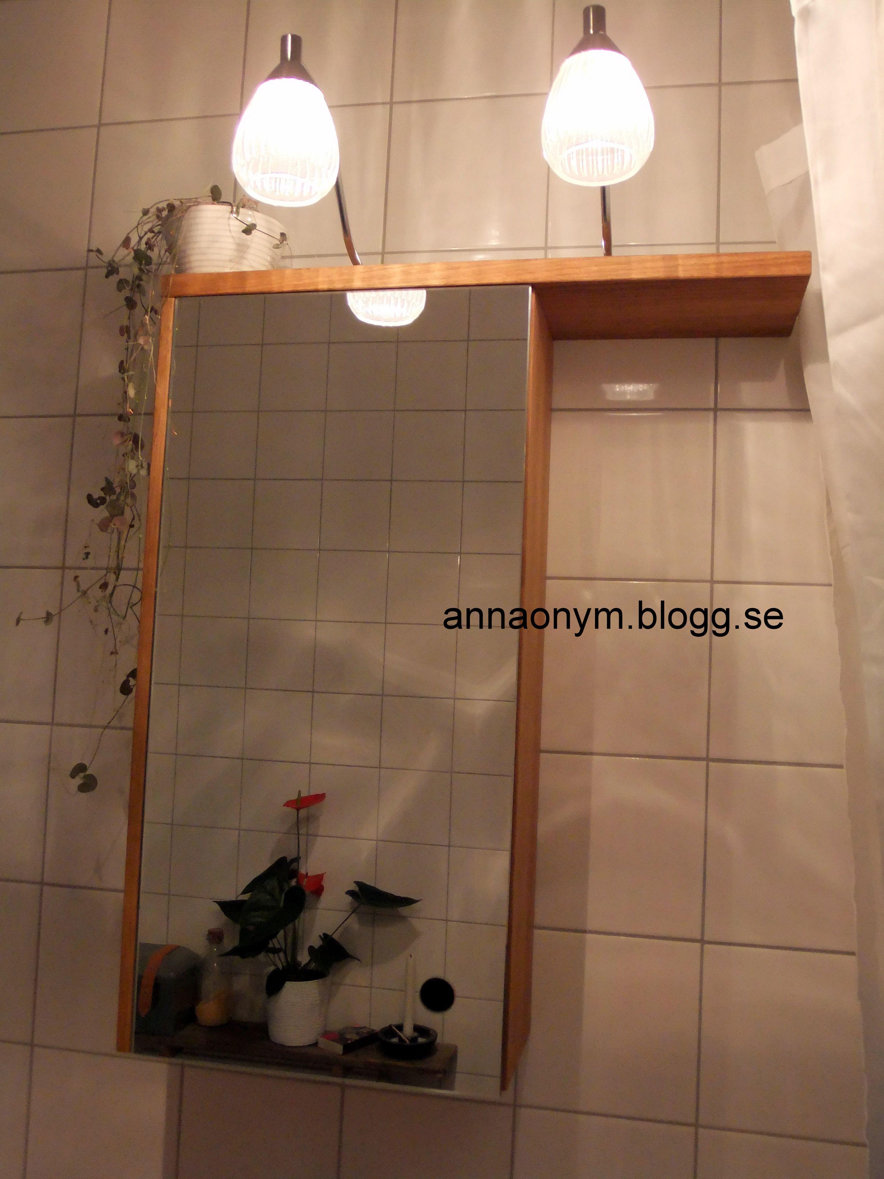 Mitt badrumsskåp som kommer från norrgavel. belysningen kommer ...