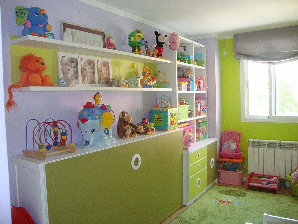 Dormitorio juvenil con cama abatible horizontal, estanterias y ...