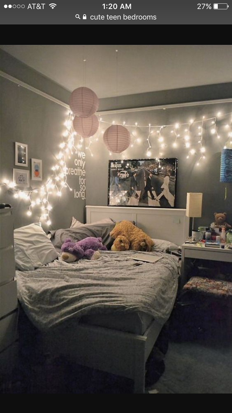 There's something about looking at string lights that is very soothing and  relaxing. Maybe it's because of the low, twinkly light.