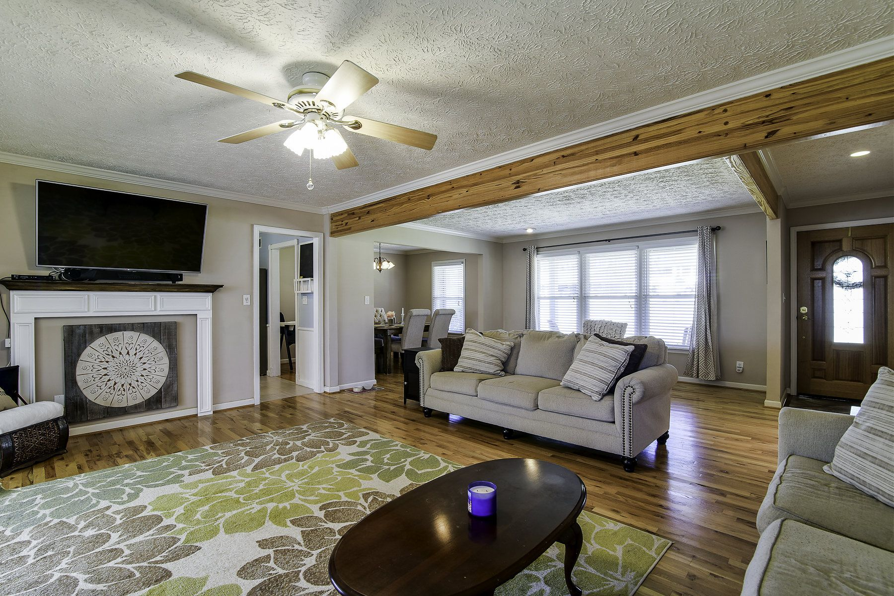 Pin By Re Max Pure On For Sale 336 Highview Dr Smyrna Ga Rocking Chair Front Porch Brick Ranch Open Floor Plan