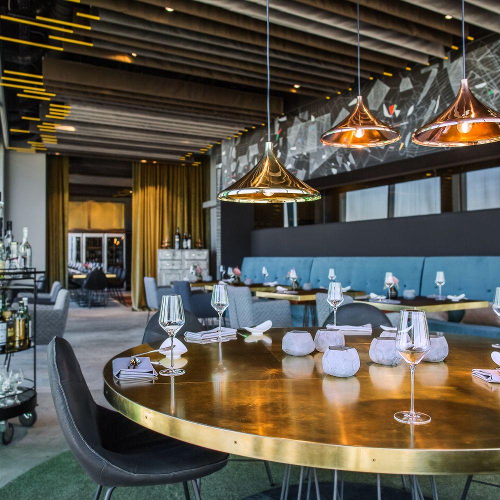 Home design bilder eine etage skykitchen restaurant bar friedrichshain  berlin  restaurants