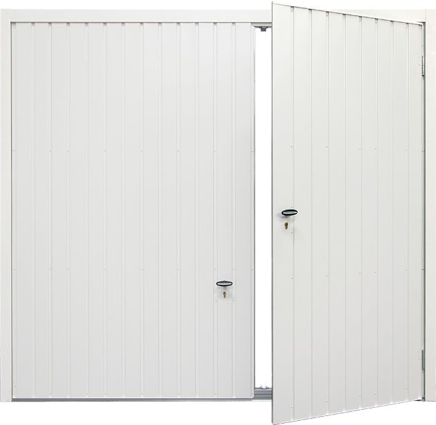 Discreet and wide wicket door, not too much to \'step over\' on bottom ...