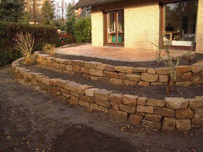 Trockenmauer zum Abfangen der Terrasse | Haus | Pinterest ...