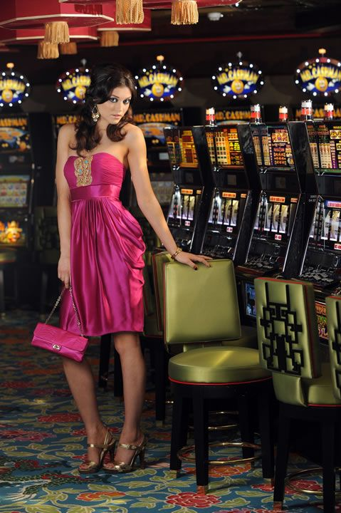 What should a person wear to a casino party?