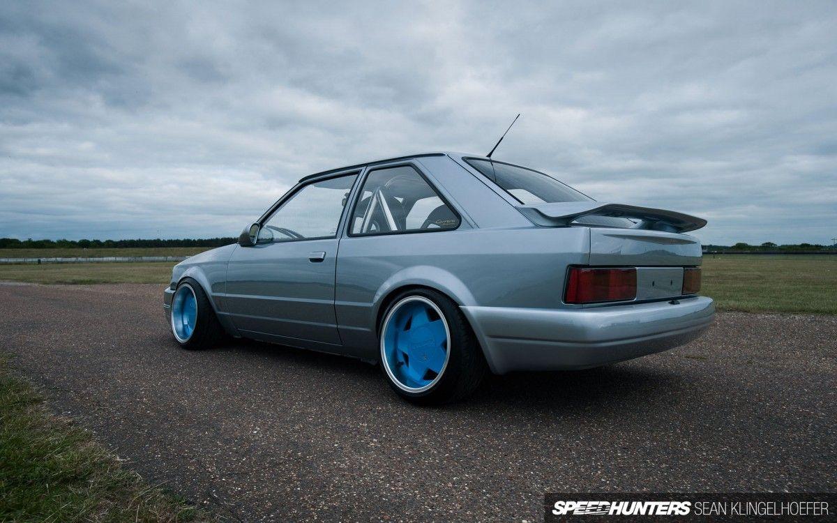 ford escort 1.6 rs turbo.