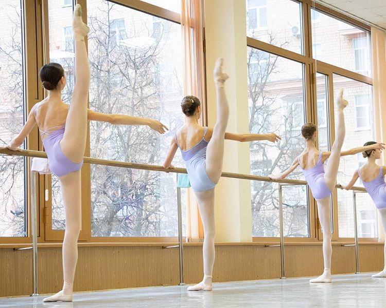 Alisa Aslanovaはinstagramを利用しています My Shoot Special For Bolshoi Ballet Academy Rector Professor Marina Konstantin Dance Pictures Bolshoi Ballet Ballet Academy