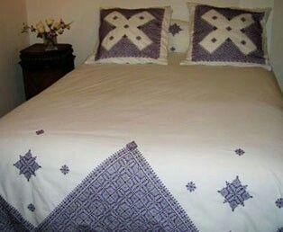 pinterest broderie marocaine broderie et couvre lit. Black Bedroom Furniture Sets. Home Design Ideas