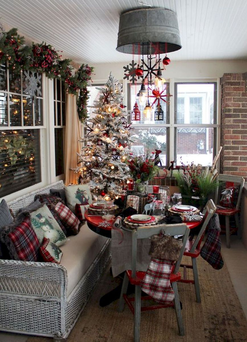 60 simple living room christmas decorations ideas (3