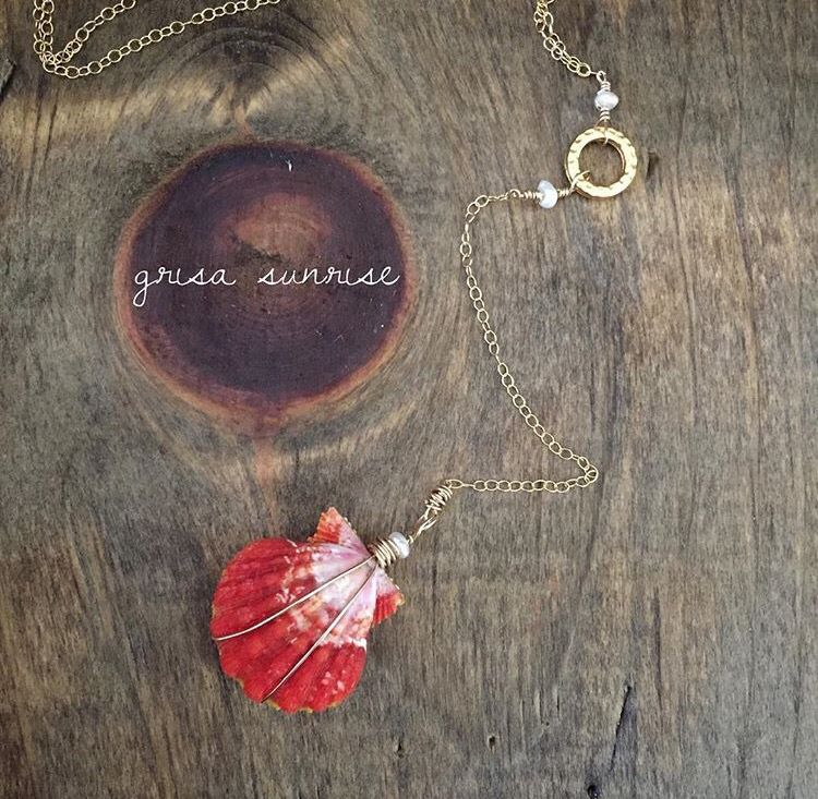 Hawaiian Sunrise Shell jewelry! Handmade jewelry from Grisa_Sunrise on Instagram! #sunriseshells #sunriseshell #hawaii