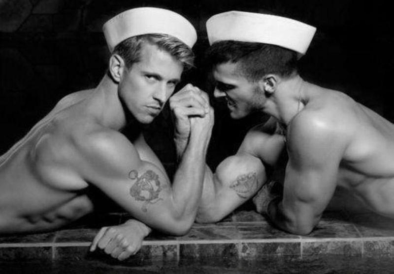 гей фото моряк
