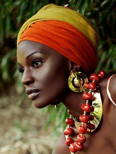 Samburu woman profile – Kenya
