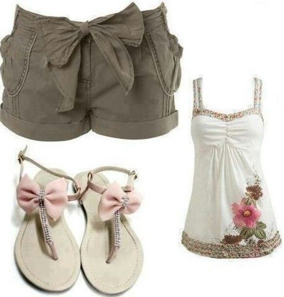 Such a cute outfit! I'd probably ditch the sandals w/ bows though....