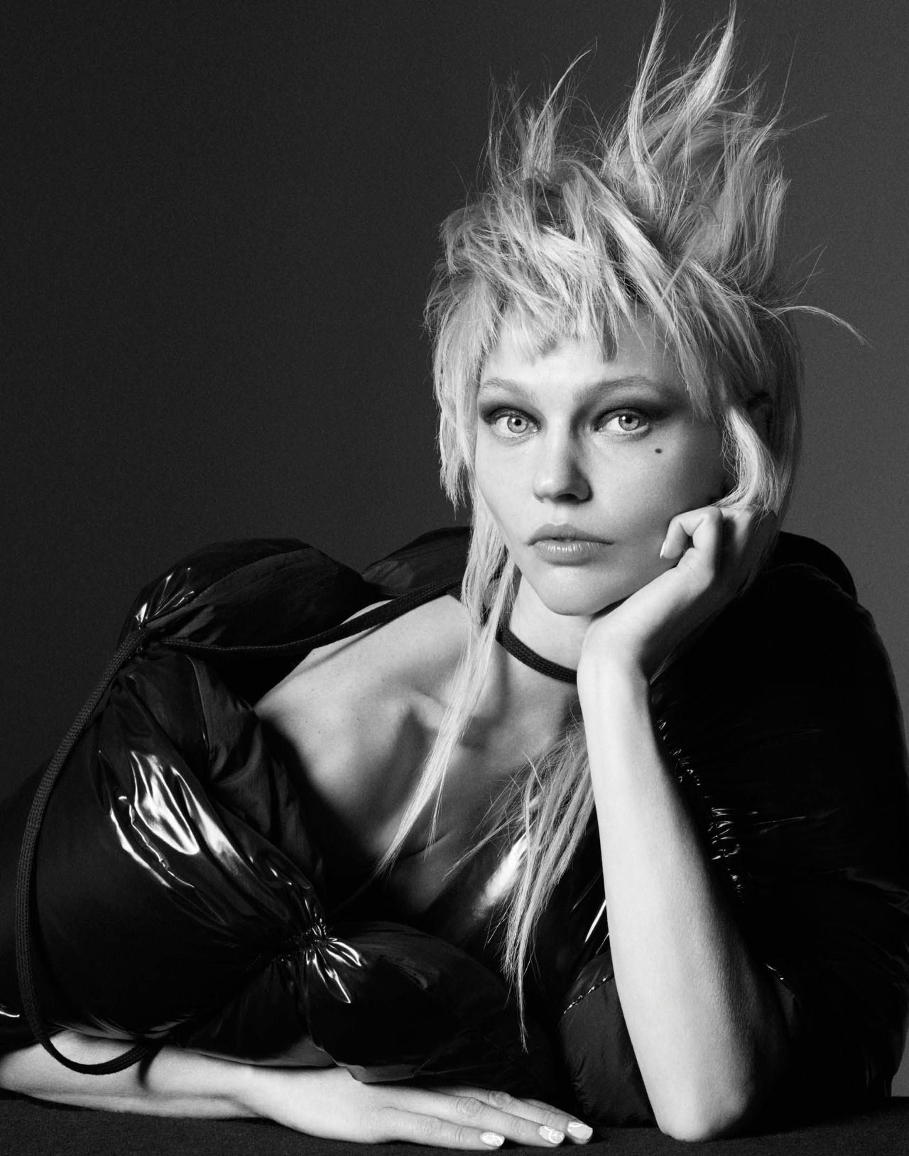 Publication: CR Fashion Book Fall/Winter 2016 Model: Sasha Pivovarova Photographer: Rory