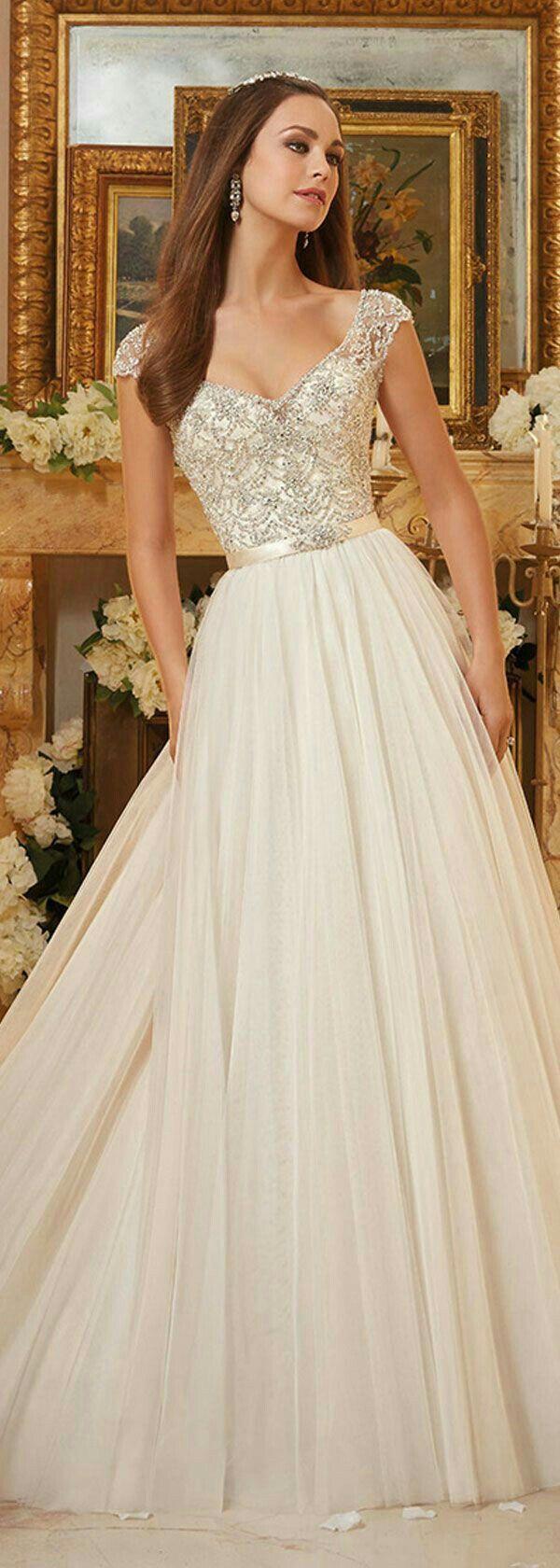 pinchristine leierseder on (novias) | ball gown wedding