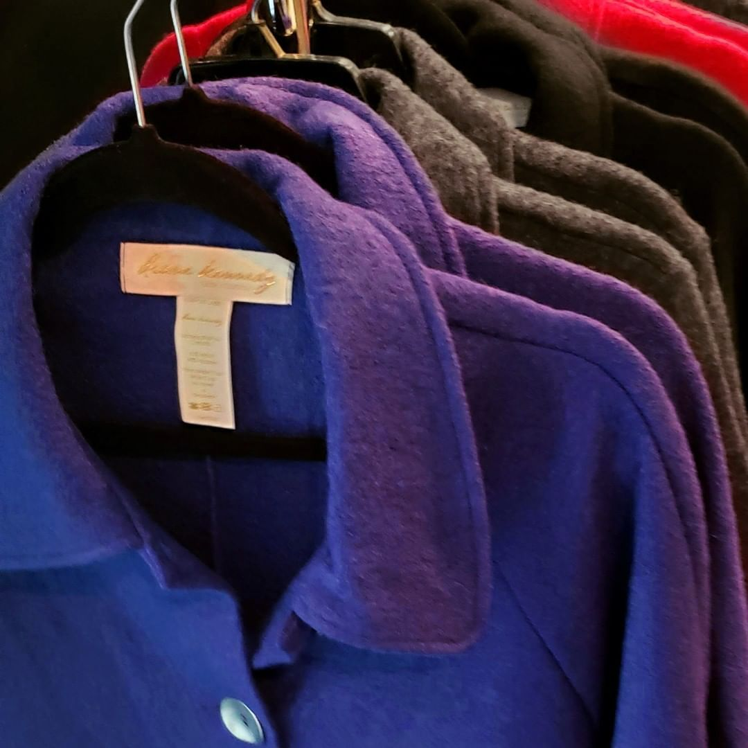 All the new capes in 4 colours: Pacific, Heather Charcoal, Black and Cherry. Which is your favourite?