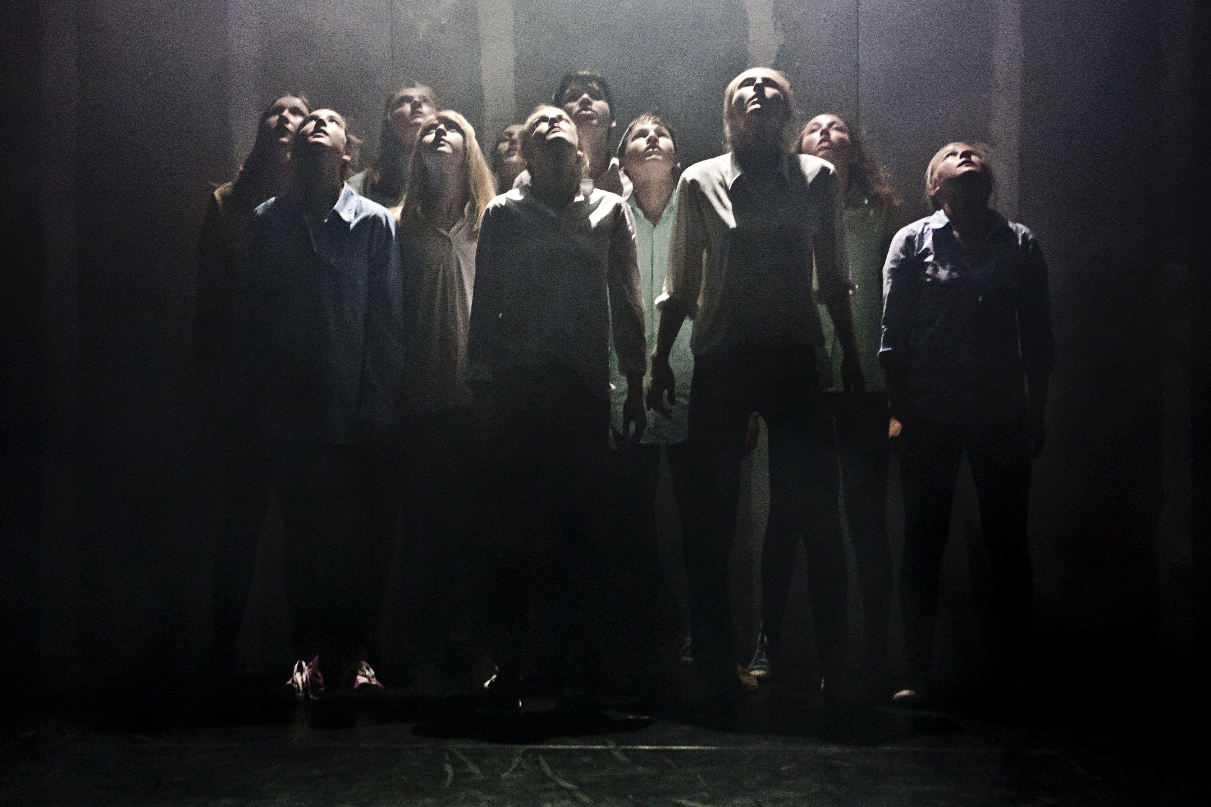 STRAHLENDGRAU Theaterstück des Theaterclubs des Oldenburgischen Staatstheaters