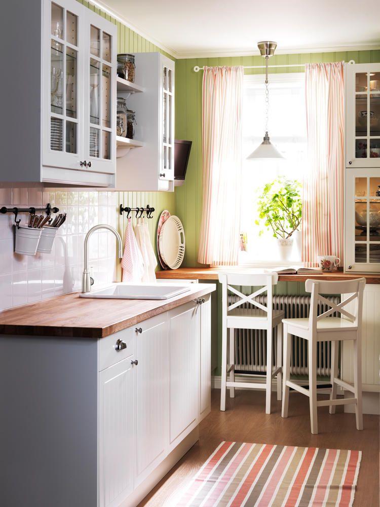 Küchenmöbel freistehend landhausstil  Kücheneinbauschränke und Sitzecke im Landhausstil | Sitzecke ...