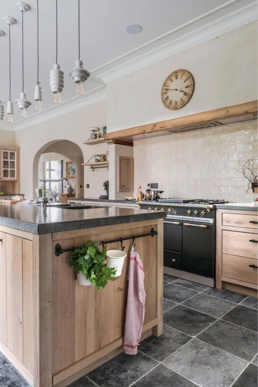 Eiken landelijke keukens - Keukens Belgie - Eiken Project