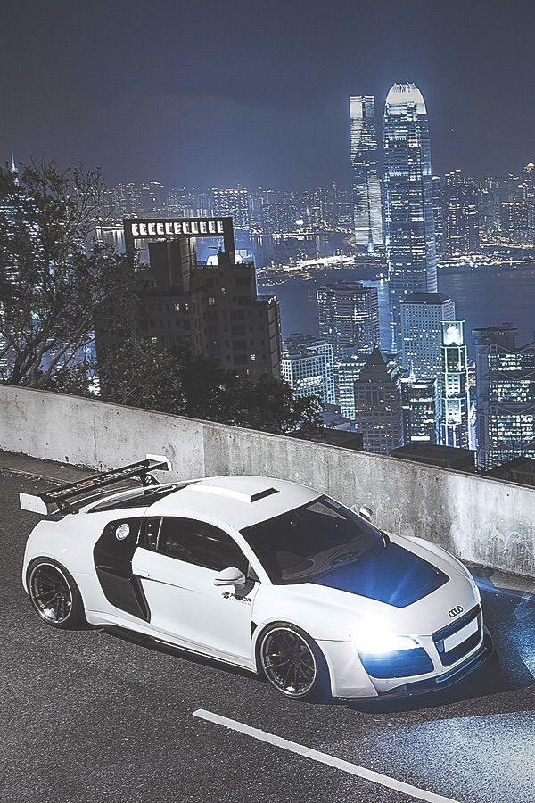 High Quality Audi R8 In White, Not The Best Colour But Looks Awesome On This Model