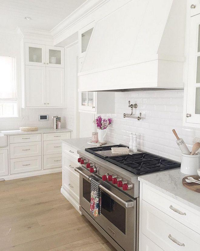 Download Wallpaper White Kitchen Hood Range