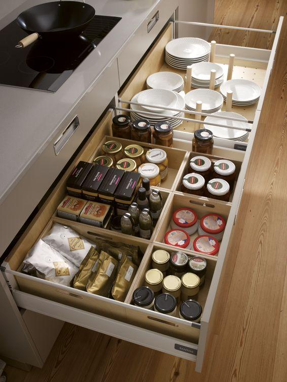 Cocinas detalles interiores cajones organizar for Organizar cajones cocina