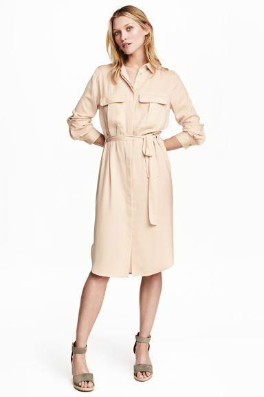 Košilové šaty ze saténu - Světle béžová - ŽENY  170c23fd1f