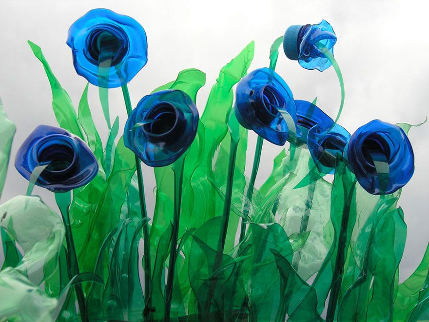 Recycling design flasche  Recycled PET Plastic Bottle Plant And Animal Sculptures By ...