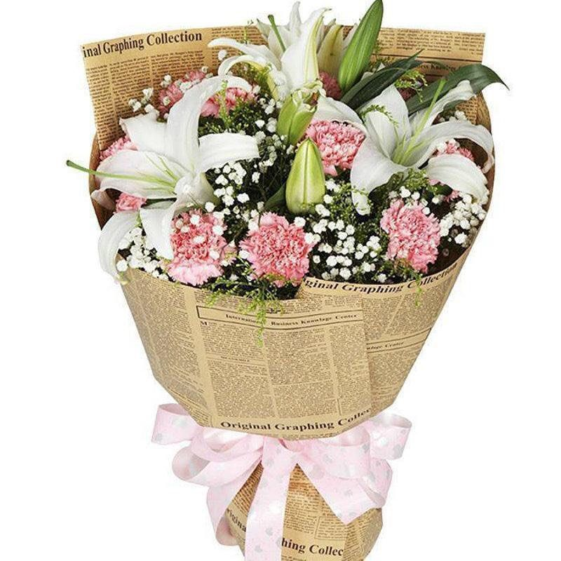 شوكليت و ورد وهدايا في قطر ورد للعيد حياكم بمحلي سوق واقف الوكرة هدايا نساءي رجالي اعراس تخرج عيدميلاد Floral Wrapping Paper Flower Packaging Flowers Bouquet