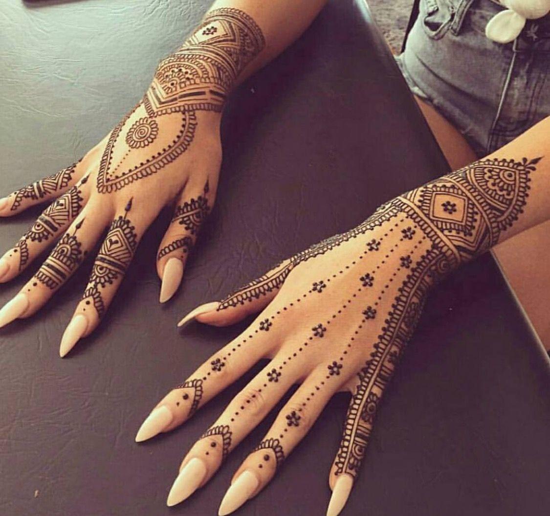 tatouage mains femme style henn mehndi mariage tatouages pinterest tatouage main femme. Black Bedroom Furniture Sets. Home Design Ideas