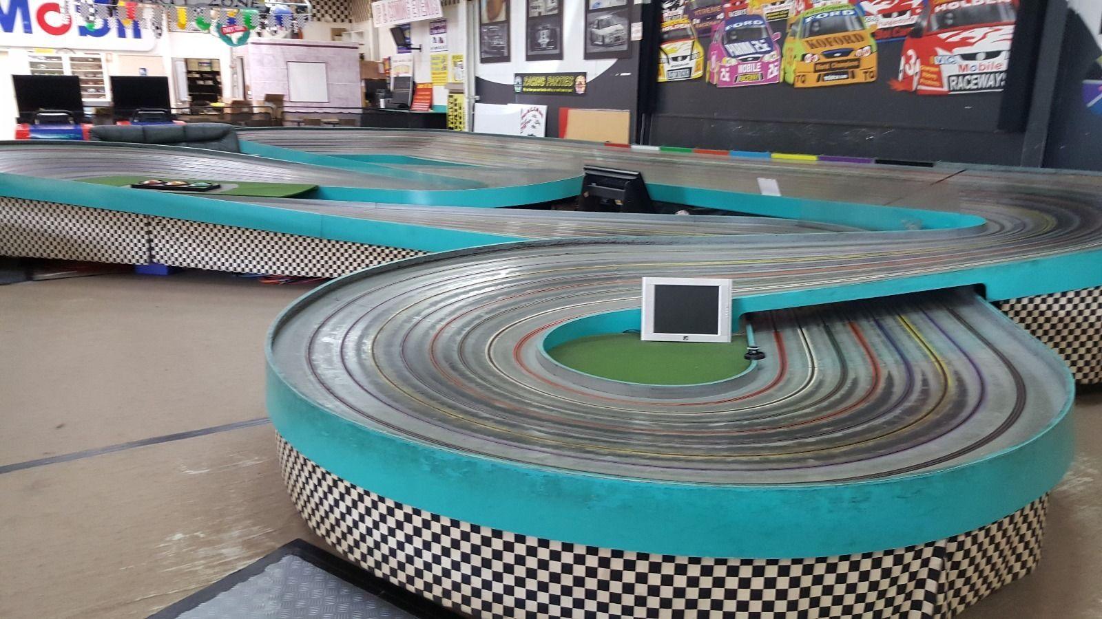 Slot car king track