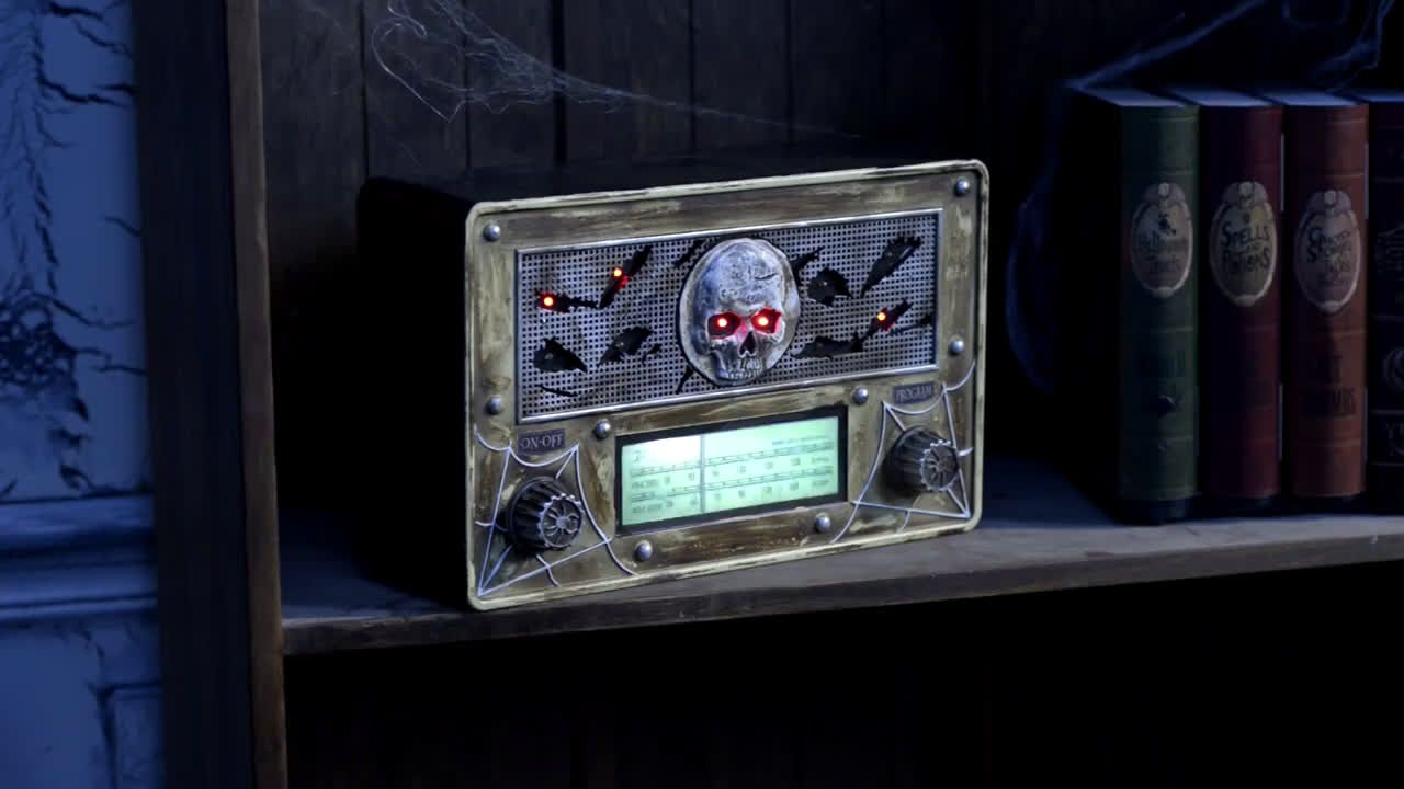 ▷ Party City Killer tracks: Haunted Radio Animatronic Ad