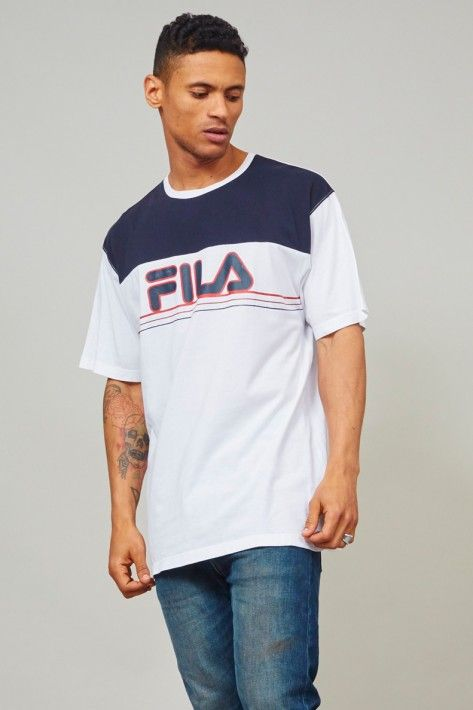 8da84314 Vintage 90's super oversized white Fila T-shirt | Nordic Poetry ...