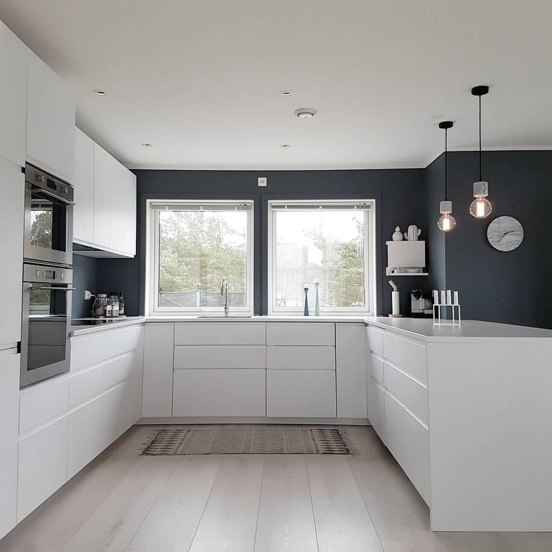 "8,005 mentions J'aime, 133 commentaires - Elin (@elin_larsen_) sur Instagram: ""Kitchen  Ha en fin kveld  ________________________________ #scandinavianhomes #interior2you…"""