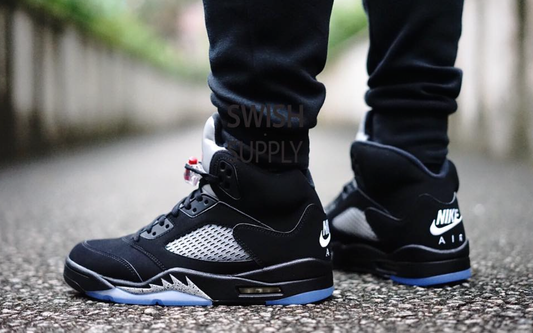 best service 1bd3b 9dd9e Peep These On-Feet Images Of The Air Jordan 5 OG 90 Black   Metallic Silver