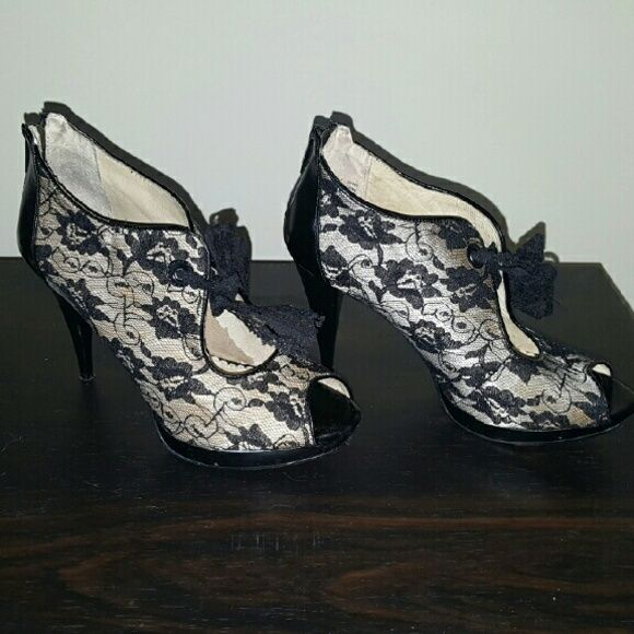 Cream with Black Lace Heels