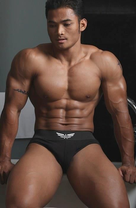 asian muscle gay Bodybuilder