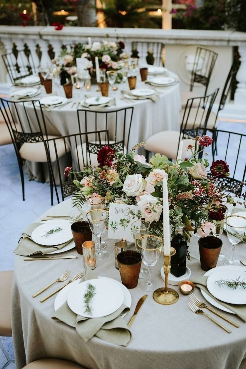 45 Fashionable Winter Wedding Decoration Ideas On A Budget